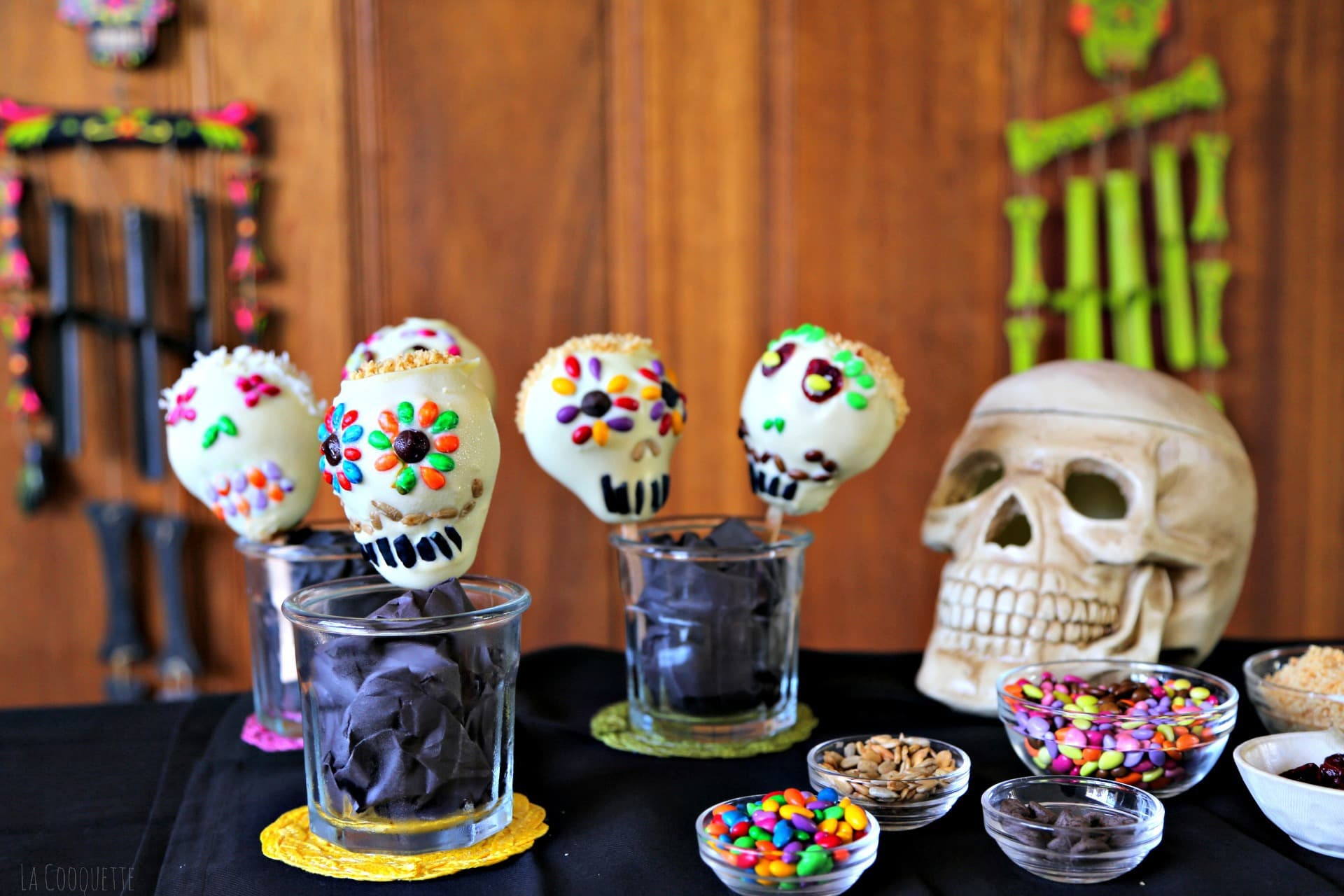 White Chocolate Pear Skulls - Halloween / Day of the Dead recipes - La Cooquette